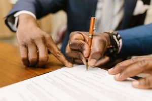 sale back lease signing contract